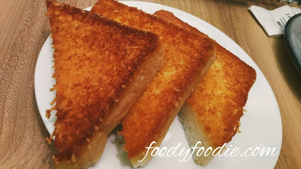 sizzler garlic toast bangkok