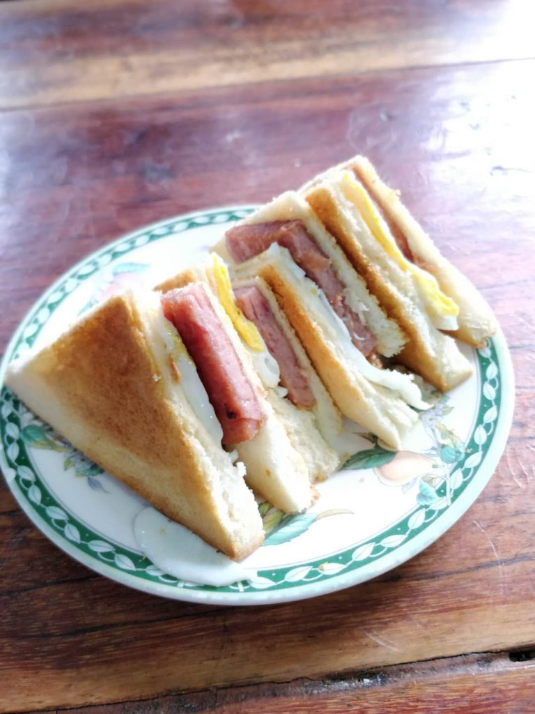 sandwich with egg and spam