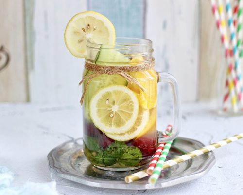 (Recipe) Homemade Detox Vitamin Water