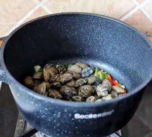 put in clams